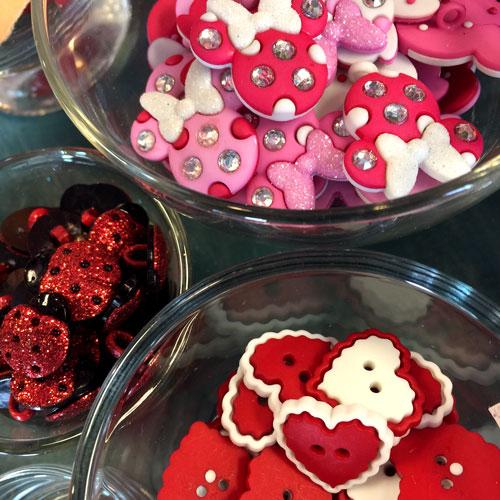Valentine's Day Buttons | Handmade Valentines Ideas