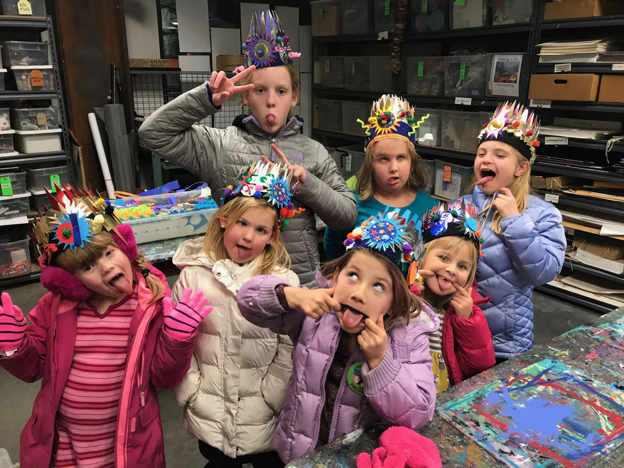 New Years Eve Crown Workshop Grades K 5th Yucandu Bubble Wrap Wear The Most Creative Hat At Party Celebrate With Lemonade Popcorn And Our Countdown To Stomping Of 30