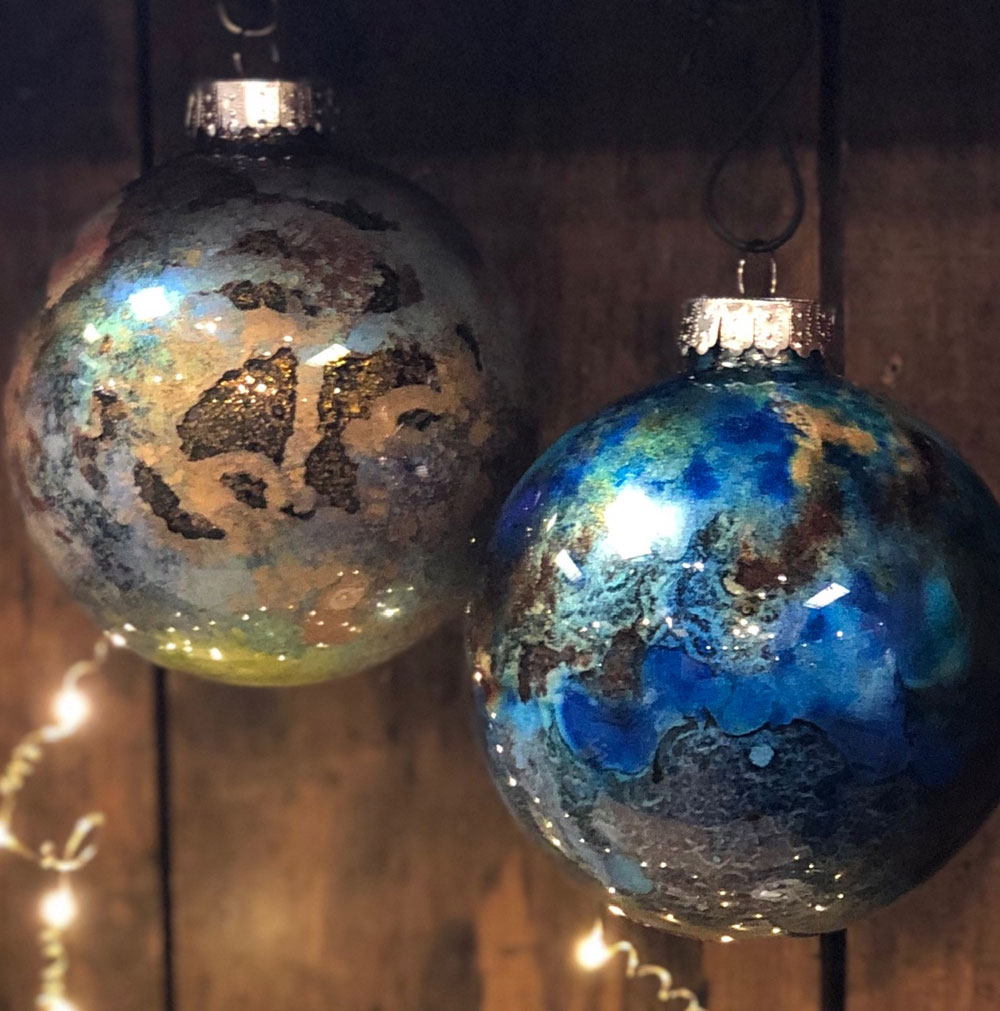Gilded Glass Ornaments Set 2
